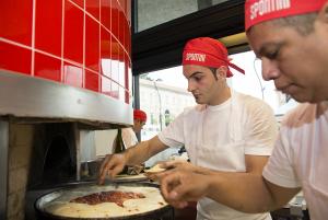 LaprimaPizzaSpontiniSfornataaMonza