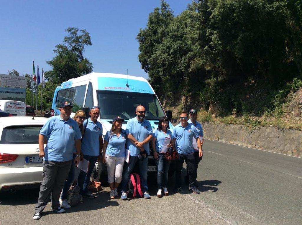 Explora5terre bus con accompagnatori