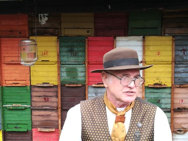 Ivan Atelsek, apicoltore del Carso