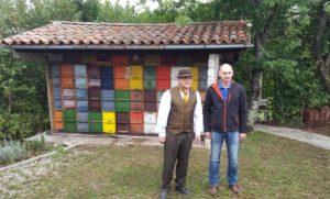 Ivan con il figlio, apicoltori del Carso