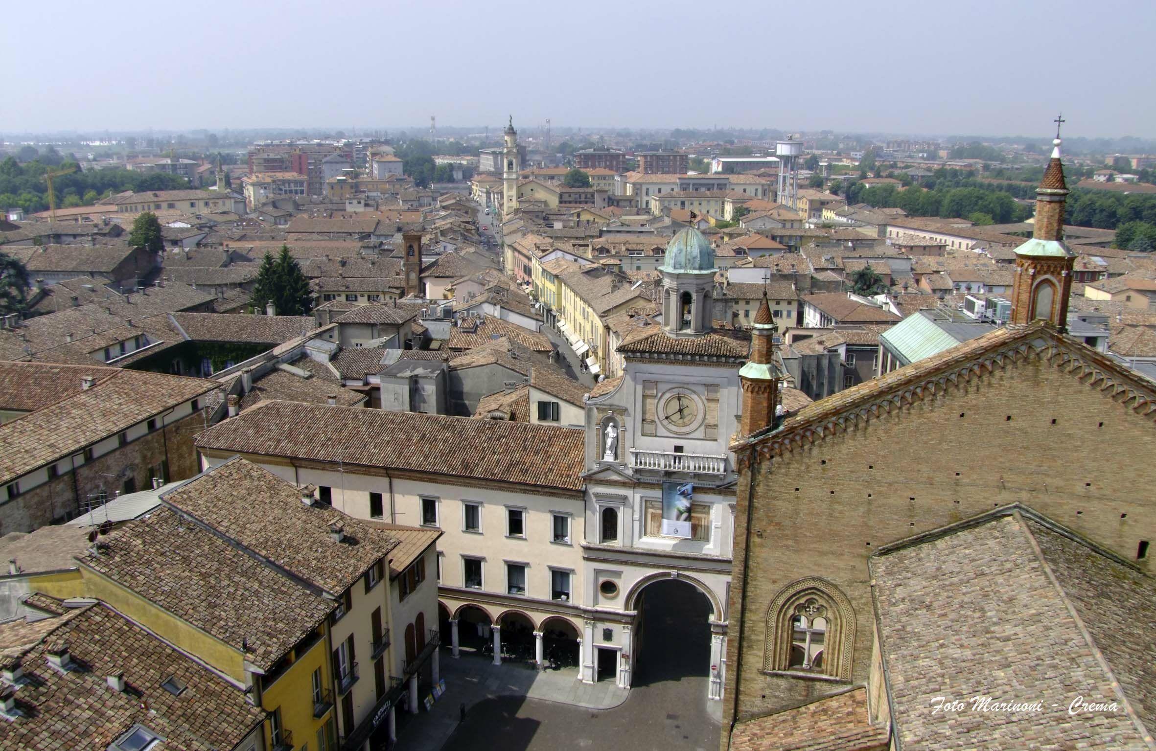 Crema - veduta dall'alto di piazza Duomo