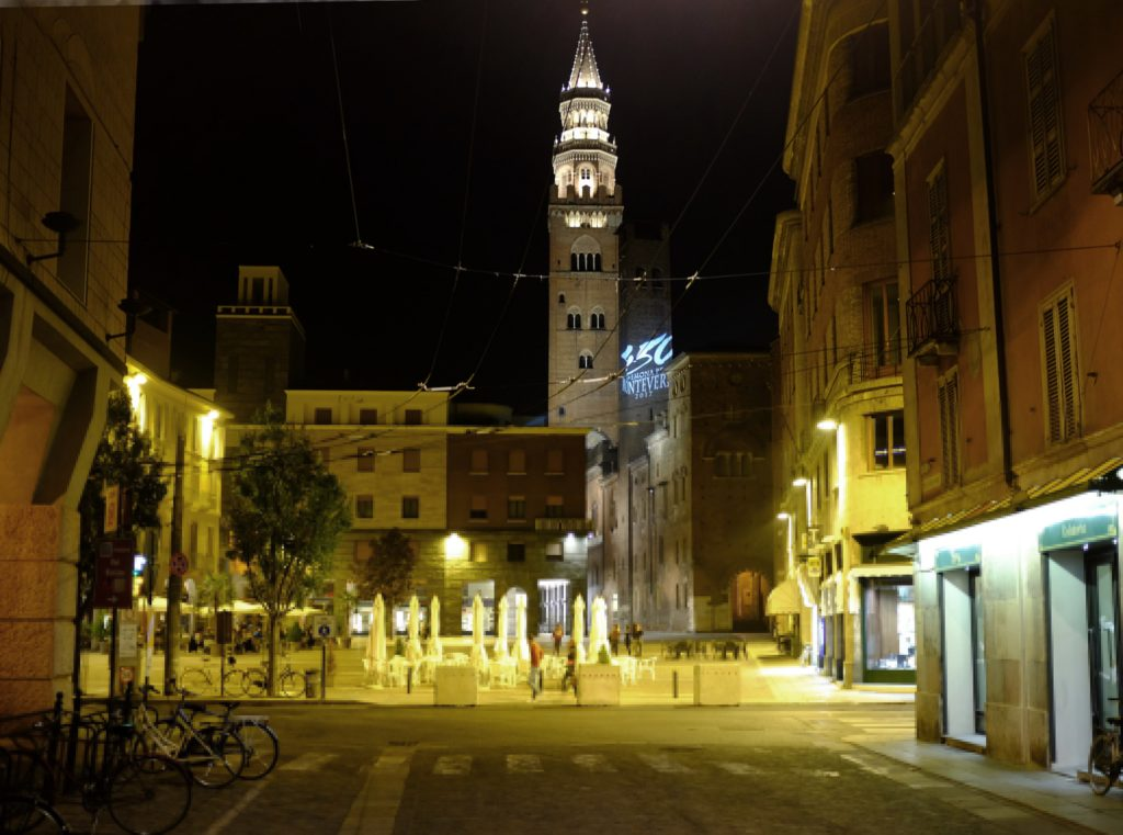 Cremona di notte