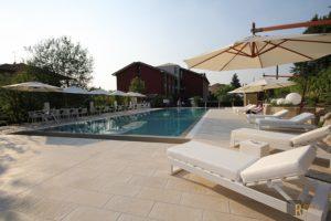 la piscina dello Zafferano Bistrot