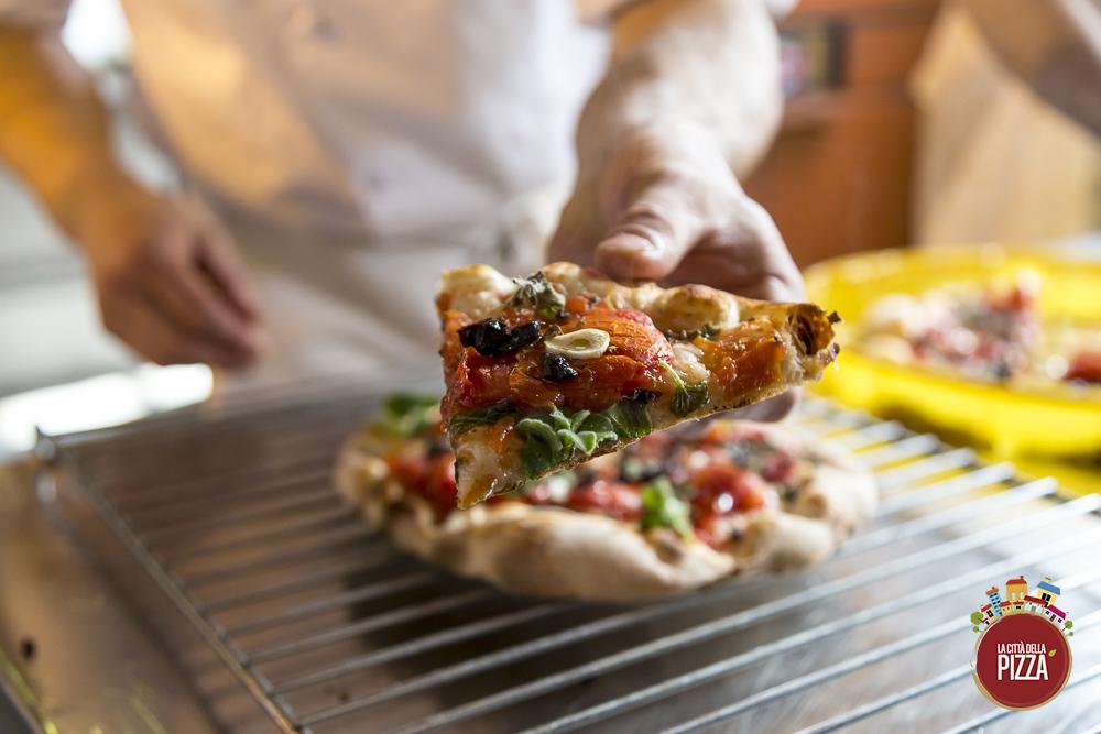 Pizza marinara su griglia