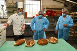produzione pane all'Agricola di Lainate dove è stato aperto nuovo parco didattico